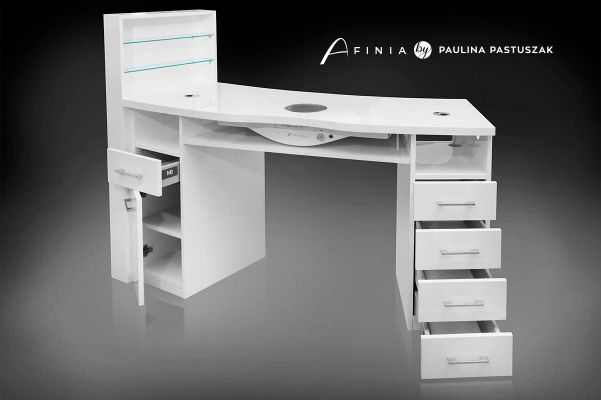 Białe biurko do manicure projektu Pauliny Pastuszak 160x52